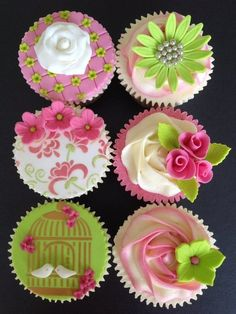 Pink & green cupcakes - by MrsM @ - cake decorating website Cupcakes Cool, Green Cupcakes, Beautiful Cupcakes, Wedding Cupcakes, Spring Cupcakes, Amazing Cupcakes, Cookies Cupcake, Pumpkin Pie Cupcakes, Cupcake Art