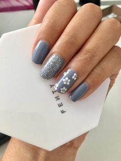 Nails toes Flower Dotticure Accent Blue-Grey (Essie Gel Couture Once Upon a Time) by u/_ Flower Dotticure Accent Blue-Grey (Essie Gel Couture Once Upon a Time) by u/_ Simple Gel Nails, Cute Gel Nails, Short Gel Nails, Pretty Nails, 3d Nails, Gel Nails With Tips, Short Nails Art, Fancy Nails, Short Nail Designs
