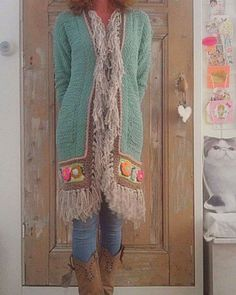 Mijn lievelingsvest! #crochetfashion #gehaakt #uncinetto #happycollors #workingwithwool #wintercrochet