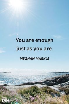 Want some inspiration? Today, we find and share 35 best inspirational quotes that motivate you. These are the best motivational quotes and sayings to makes us happy. Short Inspirational Quotes, Best Motivational Quotes, Best Quotes, Inspiring Sayings, Awesome Quotes, Short Happy Quotes, Quotes Pics, Inspirational Thoughts, Life Quotes To Live By