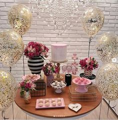 Learn the best Ideas to decorate a Party for a 20 year old woman through proposals: You deserve what you Dream, so do not hesitate to celebrate the best Birthday Table, 40th Birthday Parties, Happy Birthday, Party Table Decorations, Birthday Decorations, Fiesta Party, Birthday Woman, Ladies Party, Holidays And Events
