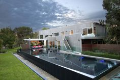 Best Residential Pool & Spa Combination awarded by the Swimming Pool and Spa Association of Victoria (SPASAVIC) in 2013.