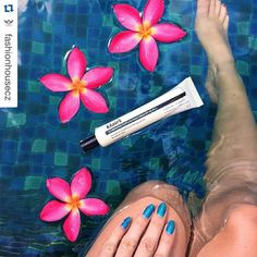Amazing pic! Today I also did base makeup with this BB cream. It provides natural but pretty look with enough moisturized texture. My best daily bb cream ever![Klairs] Illuminating Supple Blemish Cream ❤️  #beautyexplorer #klairs #bbcream #wishtrendwholesale #crueltyfree #wishtrend #czechgirl #czechgirl #swimmingpool #nailsdone #bazén #léto #musthave #beauty #kytky #thajsko #instathai #thaiblog
