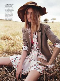 field of dreams: rosie tupper by nicole bentley for vogue australia december 2012 Foto Fashion, Fashion Shoot, Editorial Fashion, Trendy Fashion, High Fashion, Dress Fashion, Haute Couture Style, Rosie Tupper, Look Hippie Chic