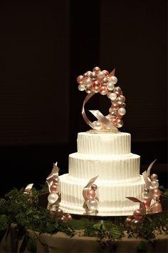 wedding cake, unique, bubbles, gold