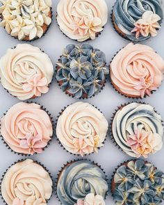 super cute floral cupcakes >Read more. super cute floral cupcakes >Read more. Pretty Cakes, Beautiful Cakes, Amazing Cakes, Cookies Et Biscuits, Cake Cookies, Bolo Sofia, Deco Cupcake, Floral Cupcakes, Succulent Cupcakes