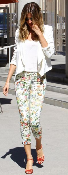 We have 40 trendy floral fashion ideas that will look good on any woman, especially for the summertime.
