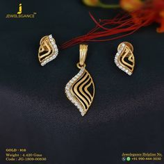 Modern Brilliance with Diamond pendant set. Get in touch with us on Gold Initial Pendant, Letter Pendant Necklace, Diamond Initial Necklace, Delicate Gold Necklace, Letter Pendants, Diamond Pendant, Pendant Set, Danty Necklace, Gold Pendants