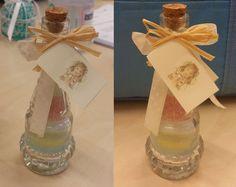 Bomboniera per i bimbi. Bottiglina con sale da cucina colorato con i pennarelli.