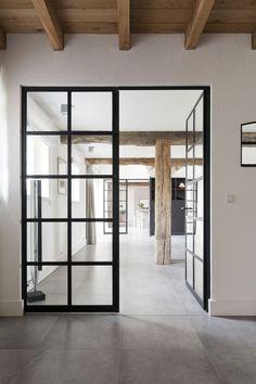 Puerta separador espacios estilo industrial - Elisa Beltran para dta