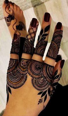 Short Mehndi Design, Mehndi Designs Front Hand, Khafif Mehndi Design, Modern Henna Designs, Indian Henna Designs, Henna Designs Feet, Floral Henna Designs, Latest Henna Designs, Stylish Mehndi Designs