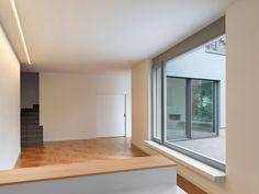 NSTO: Maximierte Weite durch verlängerte Wandabwicklung. Oya Sönmez Architektin mit Harald Raab Architekt.