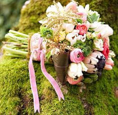 Spring is here and love is in the air. http://veronaweddingceremonyservices.com/verona-and-lake-garda-weddings.html Have a Shabby Chic, Spring Wedding in Verona Italy, the city of Romeo and Juliet or chose one of its enchanting surrounding locations CLICK ON IMAGE TO ENLARGE