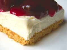 No bake cherry cheesecake - my favorite Valentine's day dessert (except you have to make it with a chocolate crust) (easy homemade brownies without eggs) Sweet Desserts, No Bake Desserts, Just Desserts, Sweet Recipes, Delicious Desserts, Dessert Recipes, Dessert Ideas, No Bake Cherry Cheesecake, Cheesecake Recipes