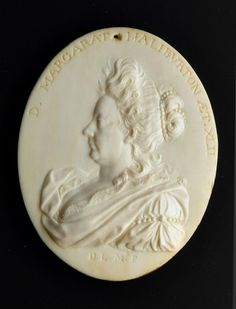 Le Marchand, medallion depicting Lady Margaret Mackenzie of Rosehaugh (1654-1713) © National Museums Scotland