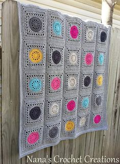 Chunky Crochet Blankets The solid ground with dots of color looks very contemporary Crochet Square Blanket, Crochet Blocks, Granny Square Crochet Pattern, Crochet Squares, Crochet Granny, Crochet Blanket Patterns, Granny Squares, Crochet Cushion Cover, Crochet Cushions