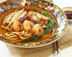 Hokkien Hae Mee (Prawn Noodles) -  a favorite Malaysian hawker or peddler noodles in a spicy and flavorful broth | Food to gladden the heart at RotiNRice.com