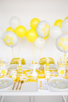 10 Ways to Upgrade Disposable Party Decor | Lazy Entertainer | HGTV >> http://www.hgtv.com/shows/lazy-entertainer/10-ways-to-upgrade-disposable-party-decor-pictures?soc=pinterest