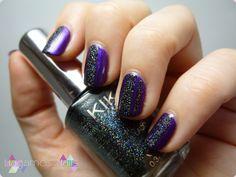 Nail art con glitter holográfico y violeta. #Holographic #glitter #nail #art #violet #hagamosnails