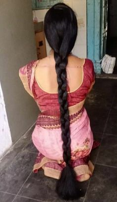 Long Hair Indian Girls, Indian Long Hair Braid, Beautiful Girl Indian, Beautiful Long Hair, Beautiful Saree, Indian Hairstyles, Girl Hairstyles, Braided Hairstyles, Long Silky Hair