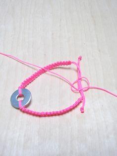 All about Bracelets Bracelet Fil, Crochet Bracelet, Macrame Bracelets, Bracelet Making, Jewelry Making, Summer Bracelets, Bijoux Diy, Paper Beads, Photo Jewelry