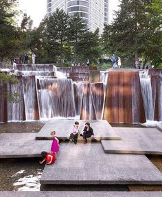 Keller Fountain Park / Jeremy Bittermann, via the Cultural Landscape Foundation (via The Dirt, a blog of the American Society of Landscape Architects)