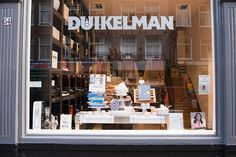 A kitchen emporium, everything you need for the kitchen from baking supplies, tea towels and crockery to full kitchens and stovetops. All good brands are available and the staff is very knowledgeable. Best bit: They practically take over the whole street with lots of little Duikelman's next door to each other. http://www.duikelman.nl/ Ferdinand Bolstraat 68A …