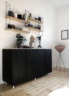 En personlig och härlig inredning behöver inte kosta en förmögenhet. Säg hejdå till en generisk, tråkig stil i första lägenheten med våra nio bästa inredningstips som passar en liten...
