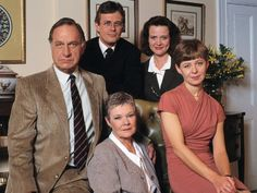 'As Time Goes By' with Geoffrey Palmer, Philip Bretherton, Judi Dench, Moira Brooker, and Jenny Funnell. British Tv Comedies, British Comedy, Classic Comedies, Bbc Tv Shows, Bbc Tv Series, Bbc Drama, Judi Dench, Comedy Tv