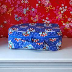 Logeren in stijl met een zelfgemaakt vliesje #koffertje #valiesje