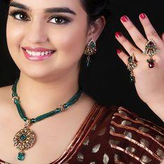 Ravishing Blue Necklace Set