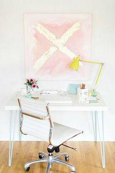 How dreamy is this workspace + home office area?