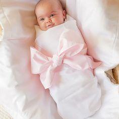 IMPERDÍVEL: Agora no blog da nossa vitrine virtual 10 dicas para você visitar um recém nascido e não cometer nenhuma gafe. Vem ver e compartilhe.  ➡️www.mamaeachei.com.br/blog