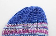 Schleudersternspitze stricken, wenn die Sockenspitze dekorativ und strapzierfähig sein soll. Es ist nicht schwer, sie zu stricken. Wir zeigen dir wie es geht.