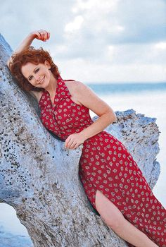Reba McEntire Country Music Stars, Country Music Singers, Reba Mcentire, Helen Mirren, Kinds Of Music, Celebs, Celebrities, How To Look Pretty, Music Artists