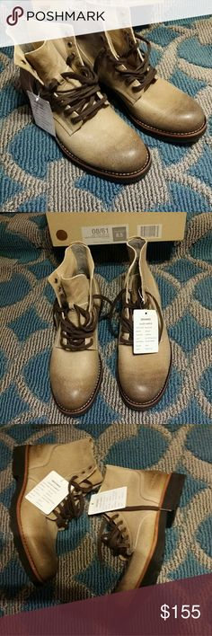 Boondocker women Brown leather shoes Size 8.5 SeaVees women's Boondocker Boot Seavees Authentic California  Shoe Name: Boondocker Brand Seavees Size: 8.5 Womens Factory: Simona Last: SV-F12 Boondock Material: Sand Date:02/14/2012 *sales Sample 08/61 Army issue high-low Gray Stone Fleece/Suede Made in China Made by Seavees, Inc SeaVees Shoes Combat & Moto Boots