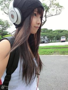 Headphone Girl ♥