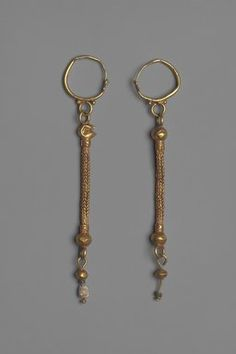 6-7th c. gold, glass, and pearl earrings (4 9/16 in., loop 7/8 in.) - Brooklyn Museum 05.464a-b