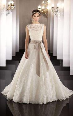 最新♥ウエディングドレスカタログ2015 - NAVER まとめ Fall Wedding Gowns ffcc06477ec6