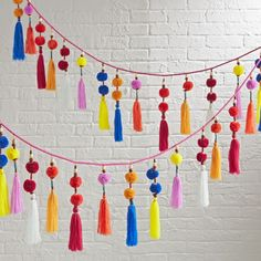Pom pom garland – DIYable Pom pom garland – DIYable DIY Art and Craft Projects Hanging Garland, Pom Pom Garland, Party Garland, Diy Tassel Garland, Garland Decoration, Tulle Poms, Tulle Tutu, Balloon Garland, Table Decorations