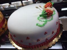Strawberry Short Cake with Fondant.  Adorable little Fondant Strawberries on top #StrawberryShortCake