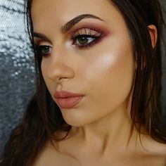 In lovvvvvve with this eye look   ABH Modern Renaissance ❣  #wakeupandmakeup…