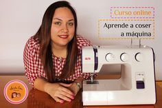 Aprende a coser a máquina con mi curso online gratuito - Chita Lou - Costura Creativa Sewing Hacks, Sewing Tutorials, Sewing Projects, Sewing Clothes, Diy Clothes, Janome, Embroidery Patterns, Sewing Patterns, Sewing School