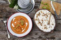 HARCSAPAPRIKÁS TÚRÓS CSUSZÁVAL Thai Red Curry, Ethnic Recipes, Food, Essen, Meals, Yemek, Eten