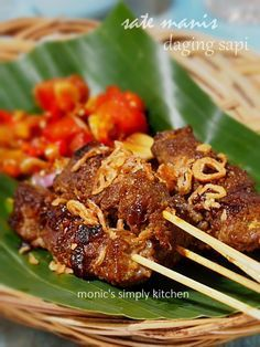 500 gr daging sapi has dalam 2 sendok… Asian Recipes, Beef Recipes, Chicken Recipes, Cooking Recipes, Recipies, Asian Foods, Suriname Food, Amsterdam Food, Eid Food