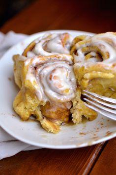 Yammie's Noshery: Pumpkin Cinnamon Rolls With Mascarpone Frosting