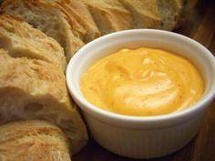 Makkelijk recept om rouille te maken voor bij vissoep met mayonaise, olijfolie, look, tomatenpuree, saffraan en indien gewenst rode peper