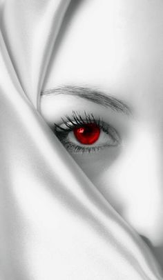 Beautiful colorful pictures and Gifs: Black and White Photo With Color Red-Color Spash