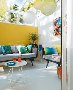 3 yellow colors that will transform your decor: mustard, saffron and sun Tropical Decor, Colorful Decor, Yellow Walls, Deco Design, Mid Century Design, Room Colors, Decoration, Living Room Decor, Sweet Home