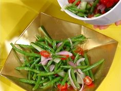 """""""Eat Your Vegetables!"""": Green Bean Salad with Red Onion and Tomato"""